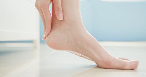 Victoria Derm - Opracowywanie pękających pięt orazwrastających paznokci
